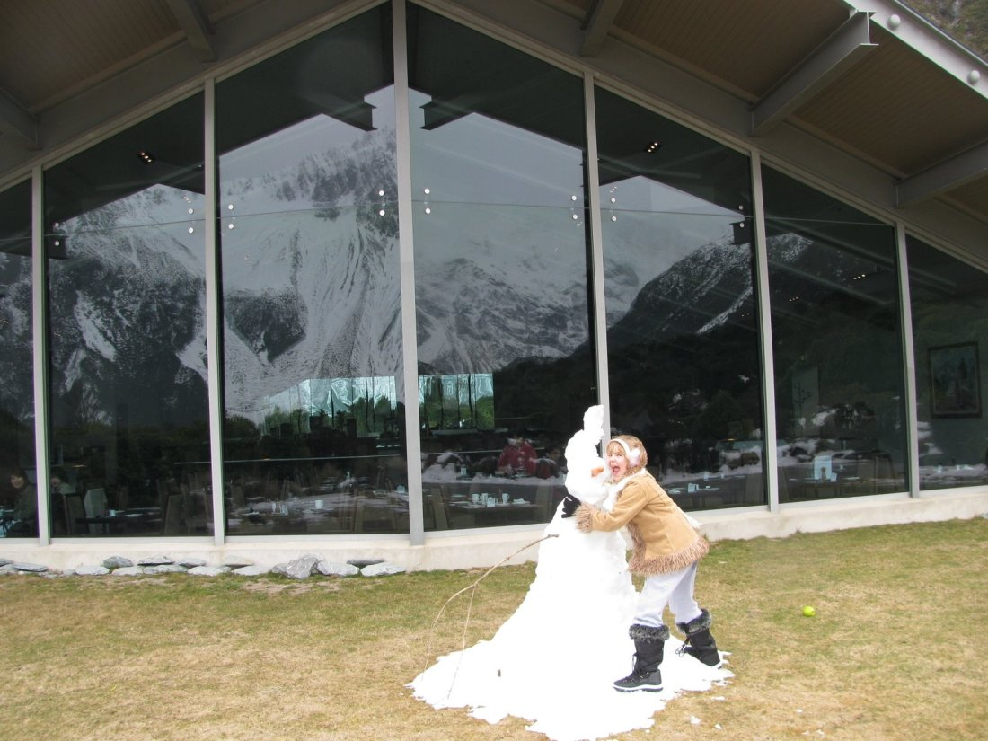 Lunch with Edmund Hilary at 760 metres at MT Cook /Aoraki