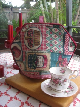 placemat upcycled to a tea cosy