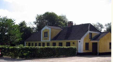 more Skagen Yellow houses