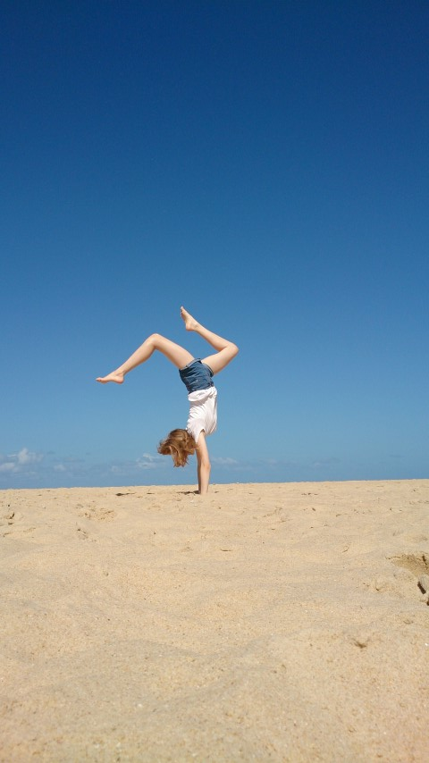 H Handstand on beach (Small)