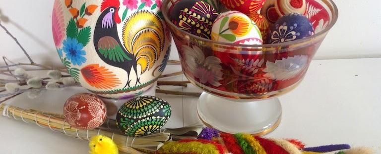folk art eggs