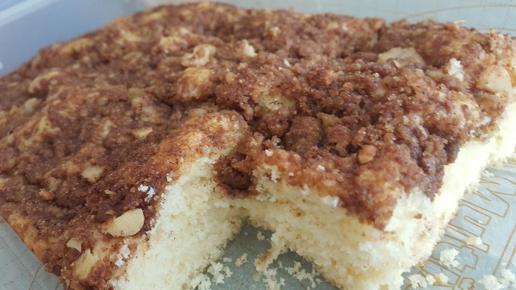 cinnamon walnut streusel cake